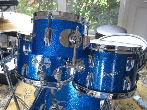 02 Blue Sparkle Knobby Side.JPG