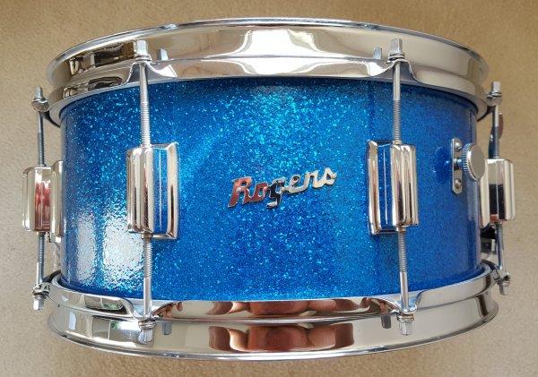 1964 6.5 Blue Sparkle Powertone.jpg