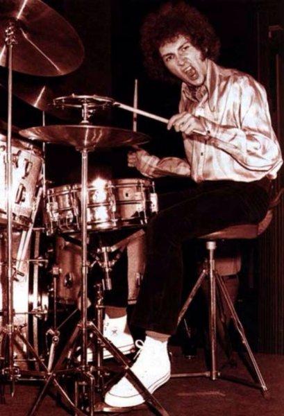 36176ae6db0ef88e4573563a0d791740--mitch-mitchell-vintage-drums.jpg