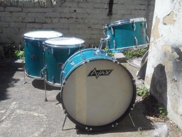 Ajax Kit Turquoise.jpg