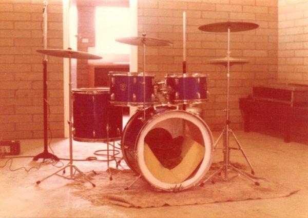 Aria Drum Kit.jpg