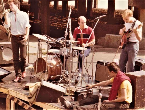 DesRefuses-ConeyIsland-Oct1981(c).jpg