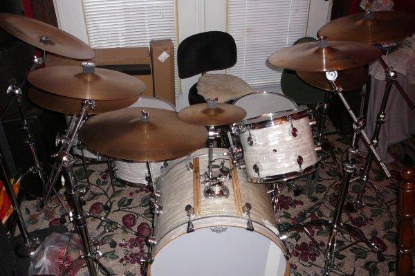 Drum Set 001.JPG