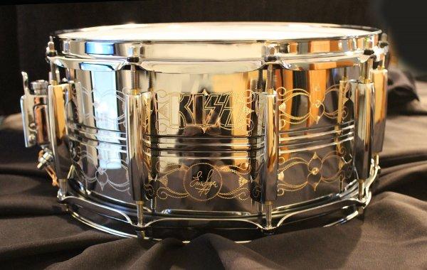 Eric Singer engraved Pearl snare.jpg