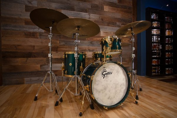 GRETSCH-USA-CUSTOM-125TH-ANNIVERSARY-4-PIECE-DRUM-KIT-CADILLAC-GREEN-DRUMAZON_04_1080x.jpg