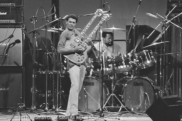 John_McLaughlin_Mahavishnu_Orchestra_NYC_1974_copyright_Jonathan_David_Sabin_All_Rights_Reserv...jpg