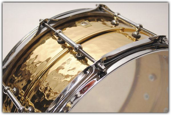 ludwig-supraphonic-14-x-6-5-hammered-bronze-snare-10099382_02xl copy.jpg