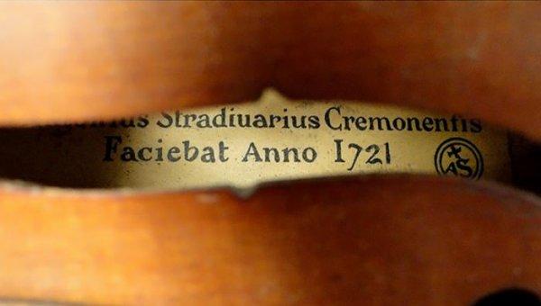 violin-labels.jpg