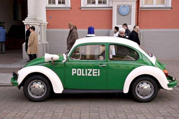 VW-Beetle-Police-Car-in-Germany.jpg