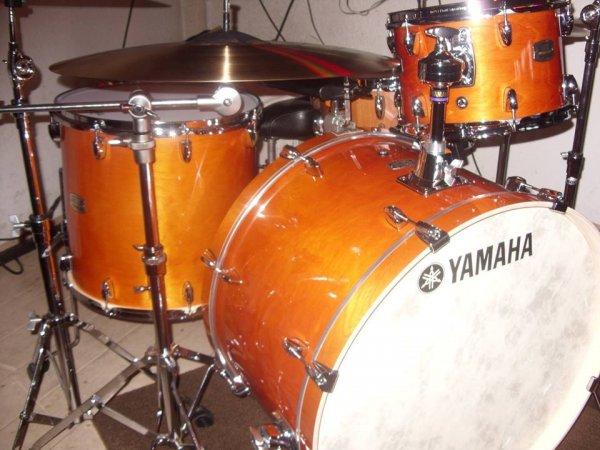 Yamaha stage customs.jpg