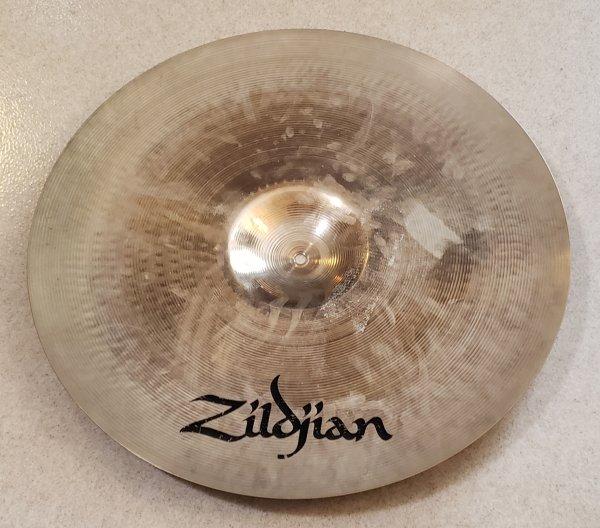 Zildjian 21 Rock Ride 2.jpg