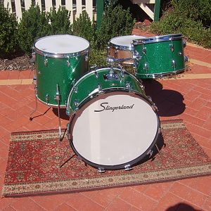 Early 70`s Green Glass Glitter, I Ply Artist Snare