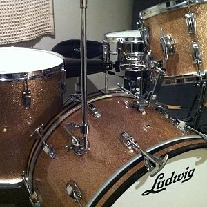 64 Ludwig Super Classic with Supraphonic