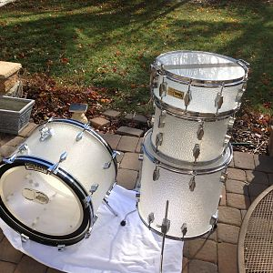 "Fibes Frost Crystallite kit - 22,13,16 with 14"" matching snare"