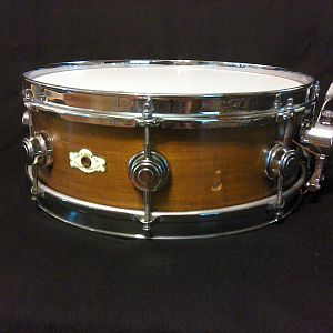Camco 5x14 walnut 8-lug snare drum