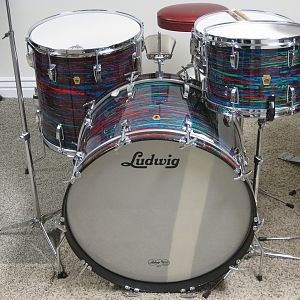 Ludwig psychedelic Red 003