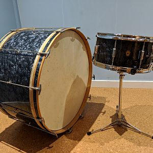 1930s WFL bass drum and snare