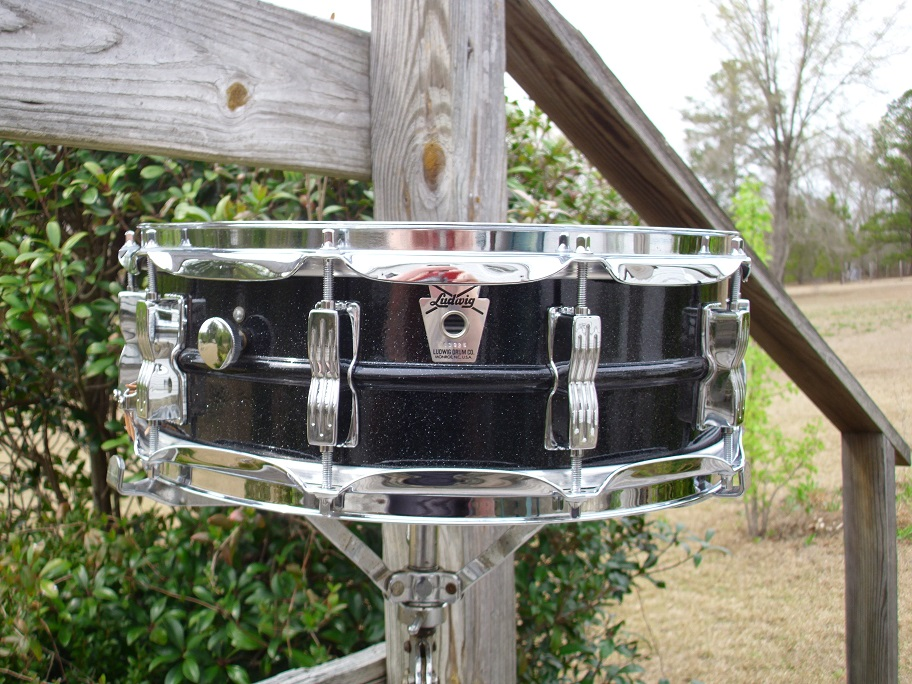 ludwig 10 lug silver badge black galaxy acrolite